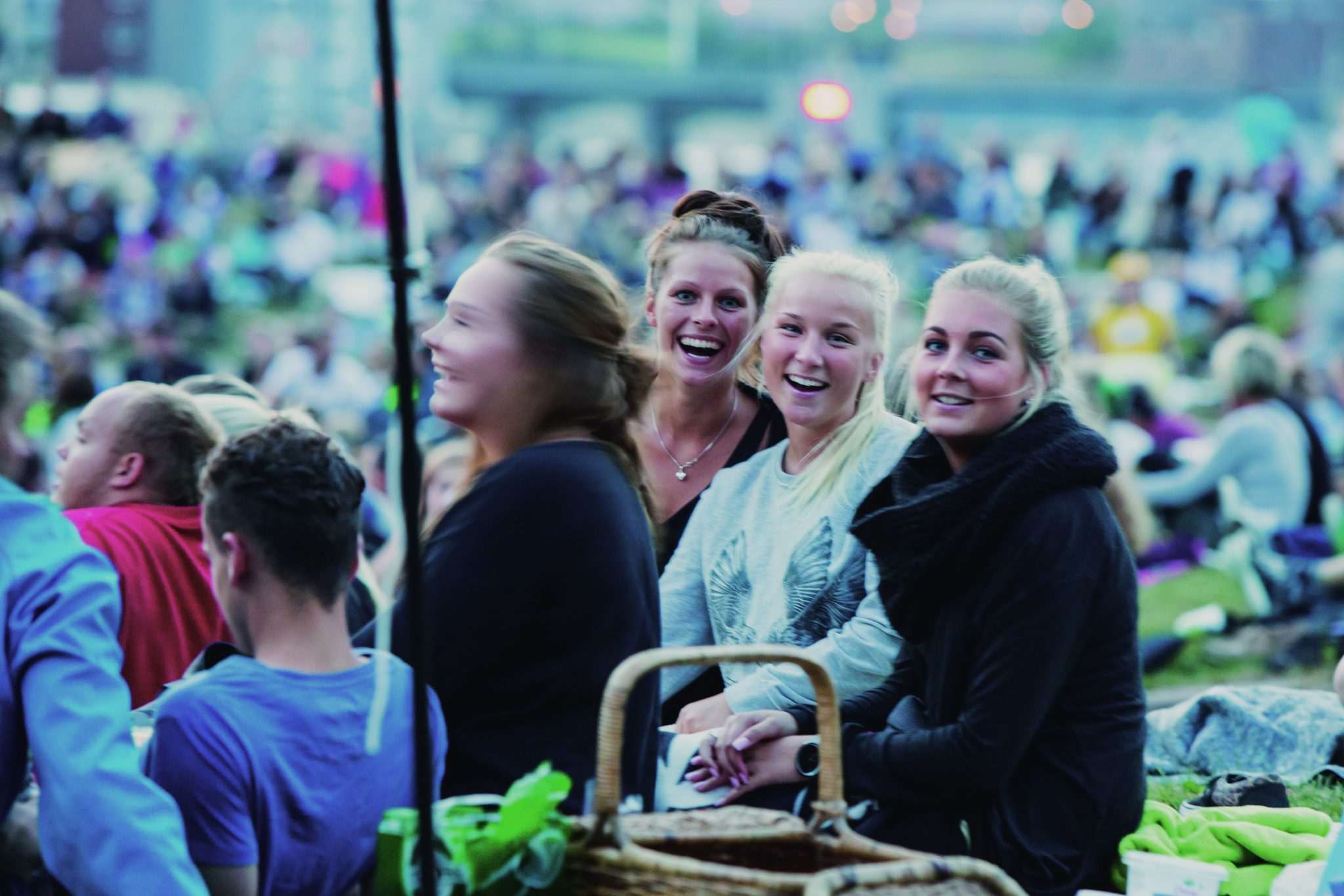 Girls at a concert in Mølleparken