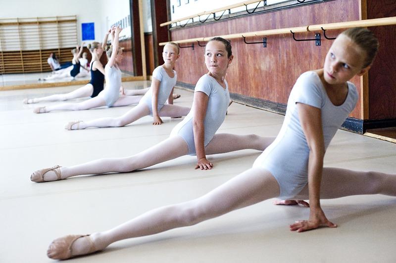 Ballerinas at South Jutland's Dance Academy